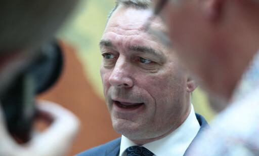 FORSVARSMINISTER Frank Bakke-Jensen (H) avviser at basepolitikken brytes. Foto: Lise Åserud / NTB scanpix
