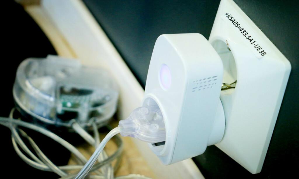BILLIG OG TILGJENGELIG: Clas Ohlsons Home-smartbryter er bare ett av mange smartprodukter som selges i nær sagt hvert eneste større kjøpesenter her i landet. Foto: Ole Petter Baugerød Stokke
