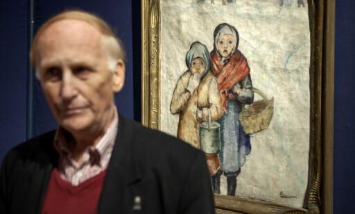 NYTT: Bildet med de to fattigjentene i vinterkulda, bak Haakon Mehren, dukket opp i fjor. Foto: Anders Grønneberg