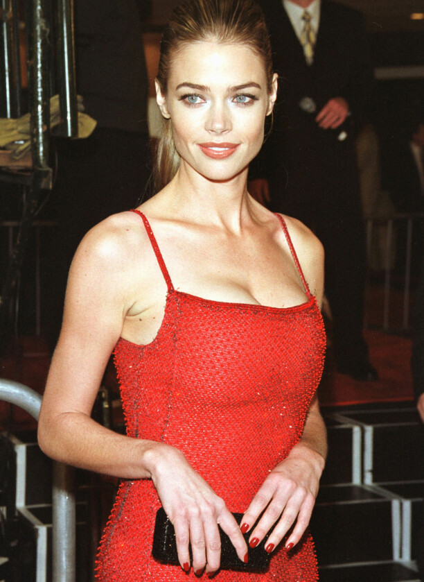 <strong>UNG STJERNE:</strong> Denise Richards på «The World Is Not Enough»-premieren i L.A. i november 1999. Foto: Reuters/ NTB scanpix