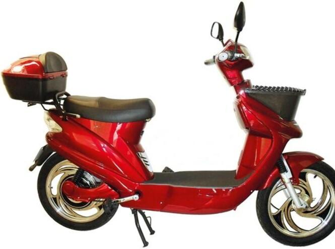 SCOOTERLIGNENDE SYKLER: Scootipuff ser ut som en vanlig scooter, men er faktisk klassifisert som en elsykkel. Sykkelen er blant annet utstyrt med pedaler og motoren gir en maksfart på 6 km/t. Foto: Produsenten