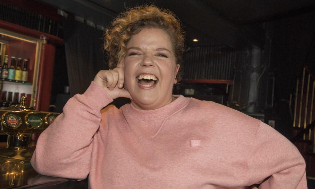 ÆREFULLT OPPDRAG: Komiker og tv-profil Else Kåss Furuseth åpnet nylig en svært barnevennlig Mummidalen-utstilling på Hadeland Glassverk. Her er hun avbildet ved en annen anledning. Foto: Morten Eik / Se og Hør