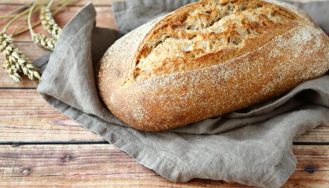 BRØD: Nordmenn er glade i brød, og mange tyr til brødskiva til både lunsj, middag og kveldsmat. FOTO: NTB Scanpix