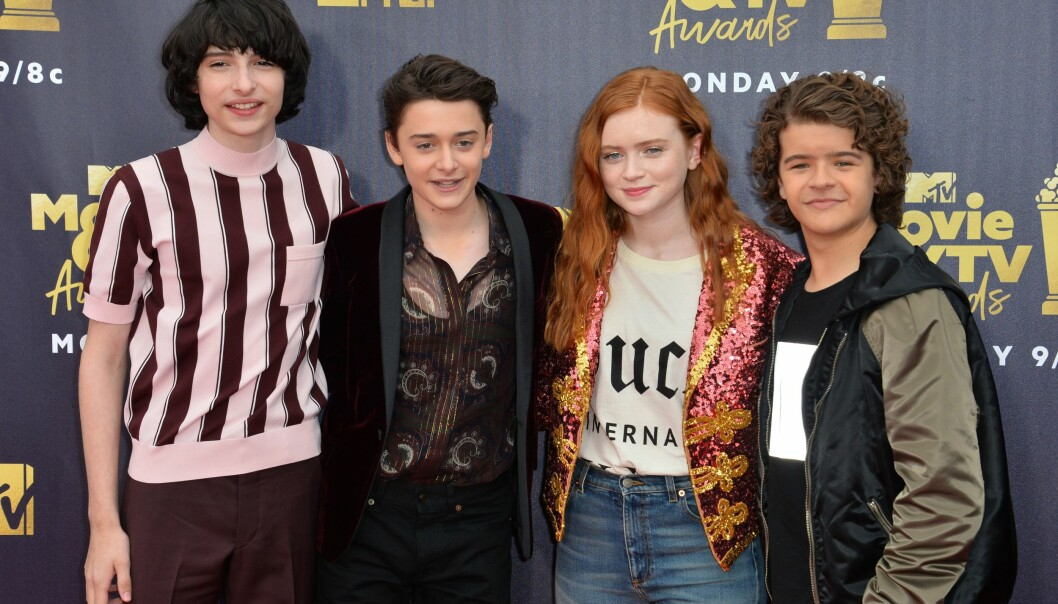 UTEN MILLIE: Finn Wolfhard, Noah Schnapp, Sadie Sink og Gaten Matarazzo smilte til pressen, mens Millie Bobby Brown glimret med sitt fravær. Nå avslører hun hvorfor. Foto: NTB scanpix