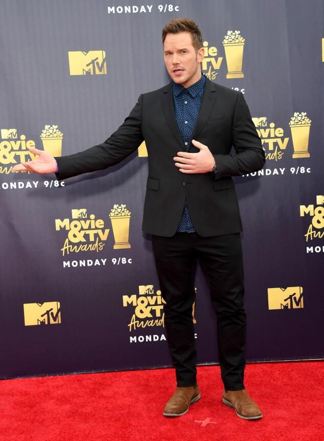 KJEKKAS: Chris Pratt dukket opp i et casual antrekk på løperen natt til søndag. Foto: NTB scanpix