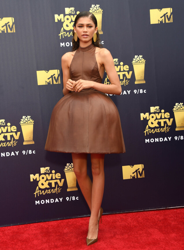 I BRUNT: Zendaya Coleman i en original skinnkjole fra August Getty på MTV Movie & TV Awards 2018. Foto: NTB scanpix