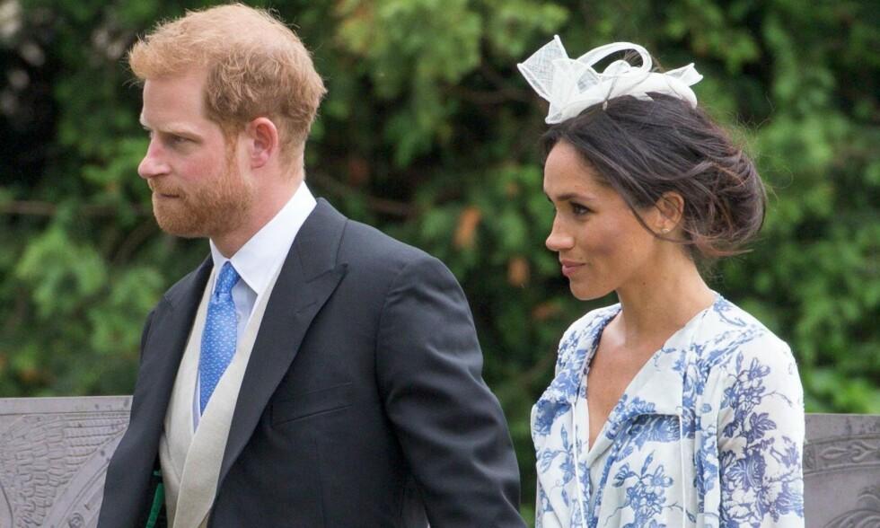BRYLLUPSKLARE: Prins Harry og hertuginne Meghan deltok i Harrys nieses bryllup i helgen. Foto: NTB Scanpix