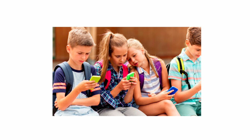 e720f23a0 Barn sosiale medier: - Å gi barn smarttelefon uten opplæring, er som ...