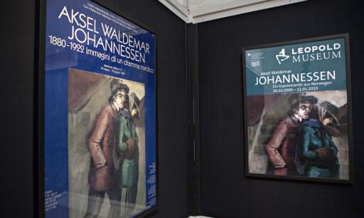 EUROPA: Aksel Waldemar Johannessen-utstillinger i Europa har vakt oppsikt, her med plakater fra 1994 og 2009. Foto: Anders Grønneberg