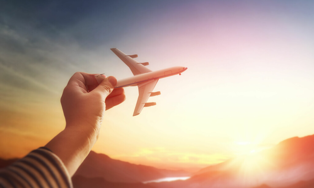 FLY OG HELSE: Er du i god nok form til å fly, og vil reiseforsikringen din dekke utgiftene hvis du trenger akutt hjelp? Foto: NTB Scanpix / Shutterstock