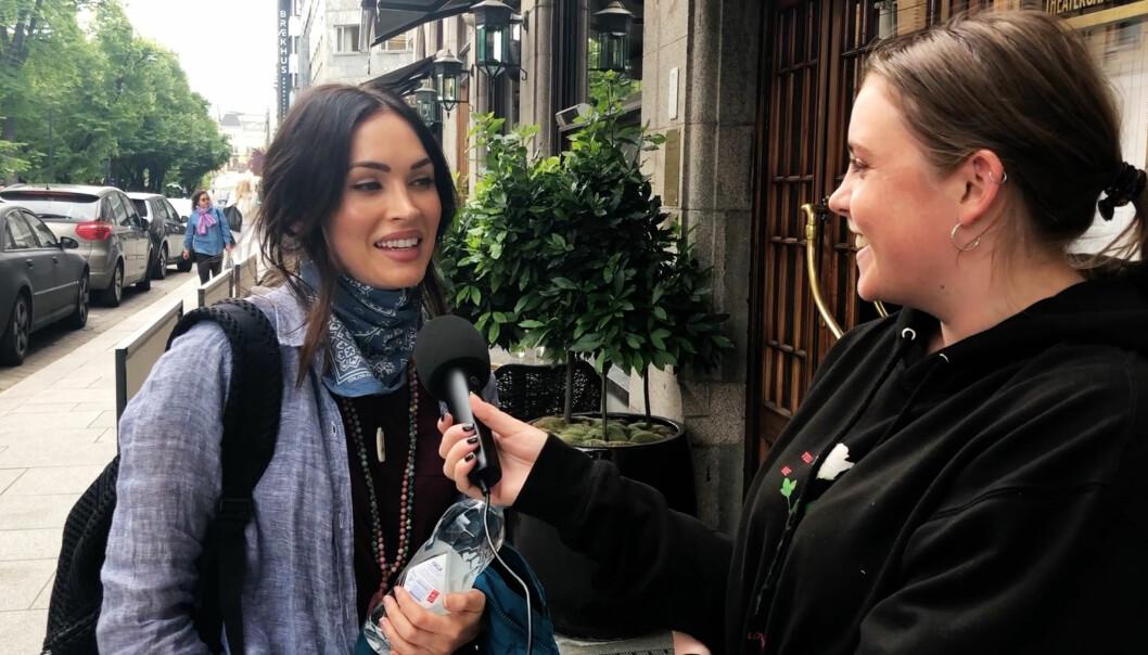 STJERNEMØTE: Reporter Fanny Odden fikk drømmen oppfylt, og fikk møte Hollywood-stjernen Megan Fox. Foto: Julie Solberg