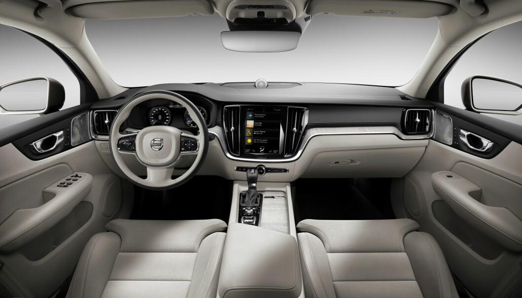 <strong>UENDRET:</strong> Nyere Volvo-kunder vil umiddelbart kjenne seg igjen inne i nye S60. Foto: Volvo