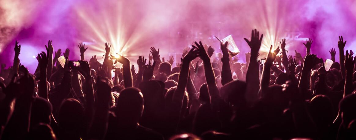 FESTIVALSOMMER: Sliter du med å finne ut hvilke festivaler lommeboka di skal prioritere i sommer? Sjekk listen vår! FOTO: Scanpix
