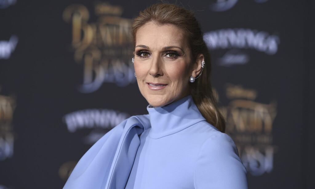 NY STIL: Slik ser Céline Dion ikke ut lenger. Nå har hun farget håret lyst og klippet lugg. Foto: NTB Scanpix