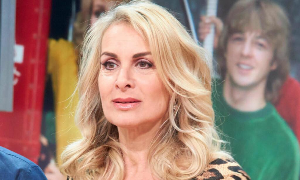 FIKK SJOKKBESKJEDEN: Den engelske artisten Jay Aston (57) bekrefter at hun er rammet av kreft i munnen, og at hun nå må gjennom en operasjon. Foto: NTB Scanpix