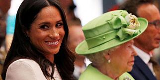 image: Gjennomsiktige klær, bare legger og «bustete» hår. Slik gir Meghan blaffen i den kongelige nei-lista