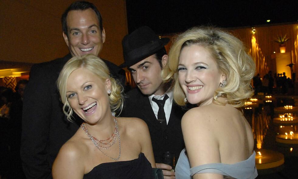 TOK HEVN: Skuespiller Drew Barrymore røpet en godt bevart hemmelighet da hun gjestet «Jimmy Kimmel Live!» sist uke. Her med Amy Poehler, Will Arnett og Justin Theroux på Golden Globe-etterfest i 2009. Foto: AP/ NTB Scanpix