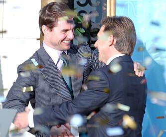 <strong>GODT FORHOLD:</strong> Tom Cruise og Scientologiens leder David Miscavige i 2004. Foto: NTB Scanpix