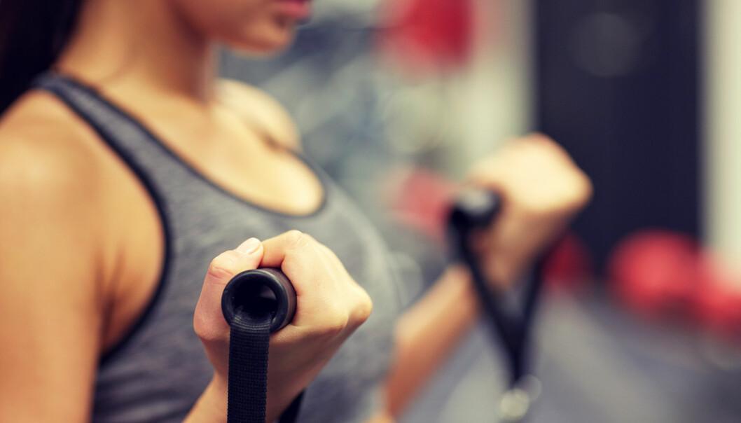 STYRKETRENING: Baseøvelser som markløft og knebøy gir deg større bevegelse, og er funksjonell trening. FOTO: NTB Scanpix