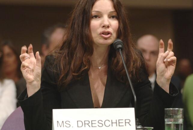 AKTIVIST: Her er Drescher avbildet i 2005, da hun vitnet før Senatet skulle gi bevillinger til en underkomité for bevissthet rundt kreft. Foto: Mannie Garcia / Reuters / NTB Scanpix
