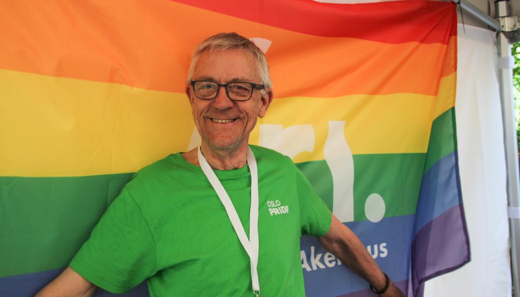 <strong>FRIVILLIG:</strong> Aasmund Robert Vik har engasjert seg i homokampen siden han var 21 år, og homofili var ulovlig. Foto: Camilla Hjelmeseth