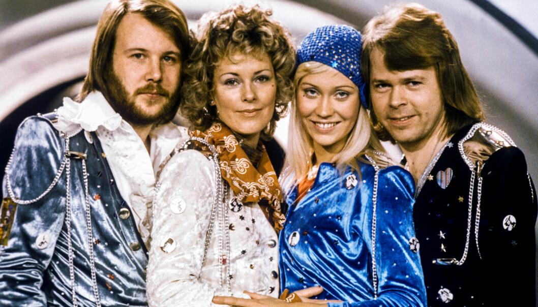 STJERNEGJENG: ABBA er en av verdens mest suksessrike popgrupper, og har solgt millioner av album verden rundt. I dag lever de to kvinnelige medlemmene tilbaketrukne liv, men de sparer ikke på luksusen av den grunn. Her er gruppa fotografert i 1974. Foto: NTB Scanpix