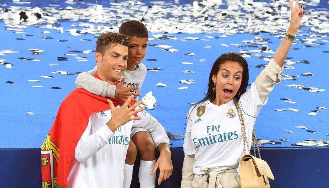 Slik er Ronaldos bisarre familie