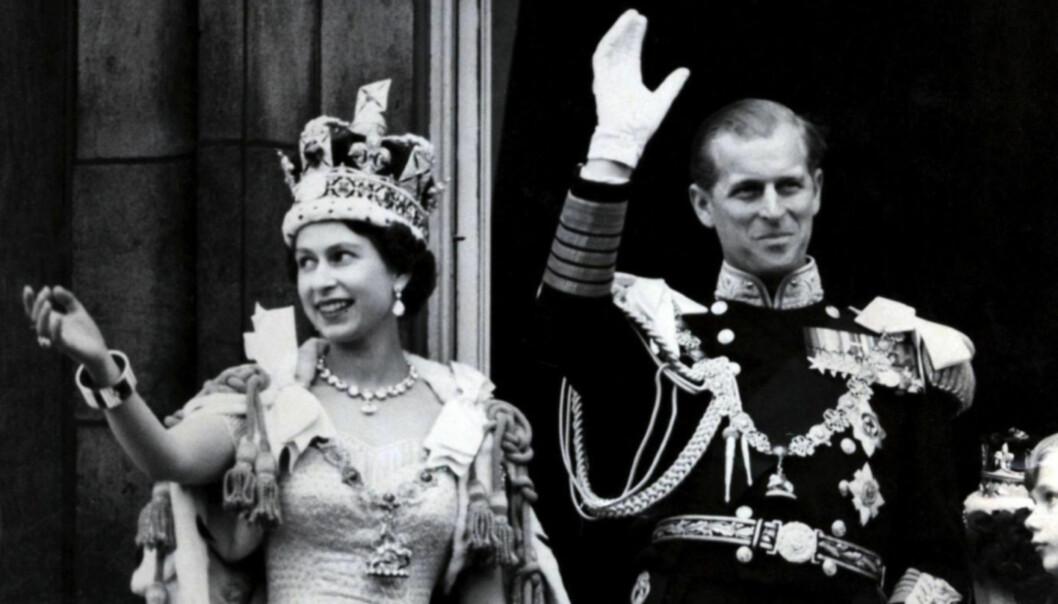 <strong>KRONET:</strong> Dronning Elizabeth og prins Philip på dronningens kroningsdag i 1952. Foto: NTB Scanpix