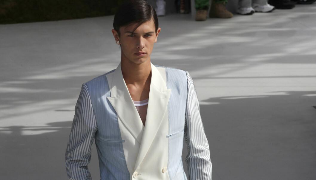 STJERNE: 18-åringen fikk æren av å åpne Dior sin herrevisning i Paris nylig - et oppdrag som skapte overskrifter verden over. Foto: NTB scanpix