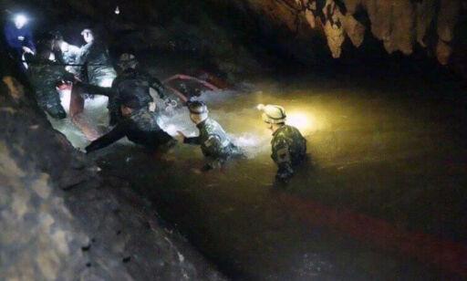 image: Grottedramaet i Thailand: Fotballtreneren beklager overfor foreldrene