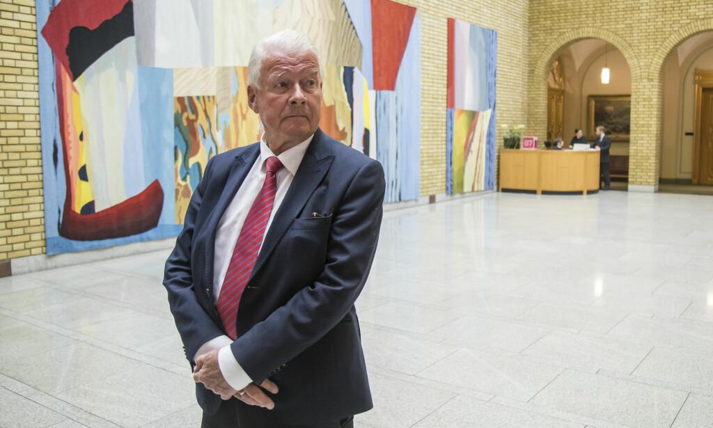 SIER NEI: Frp-nestor Carl I. Hagen mener Fremskrittspartiet må gå ut av regjeringen dersom Norge ender opp med å ta imot flere flyktninger som et resultat av EU-toppenes enighet før helgen. Foto: Heiko Junge / NTB scanpix