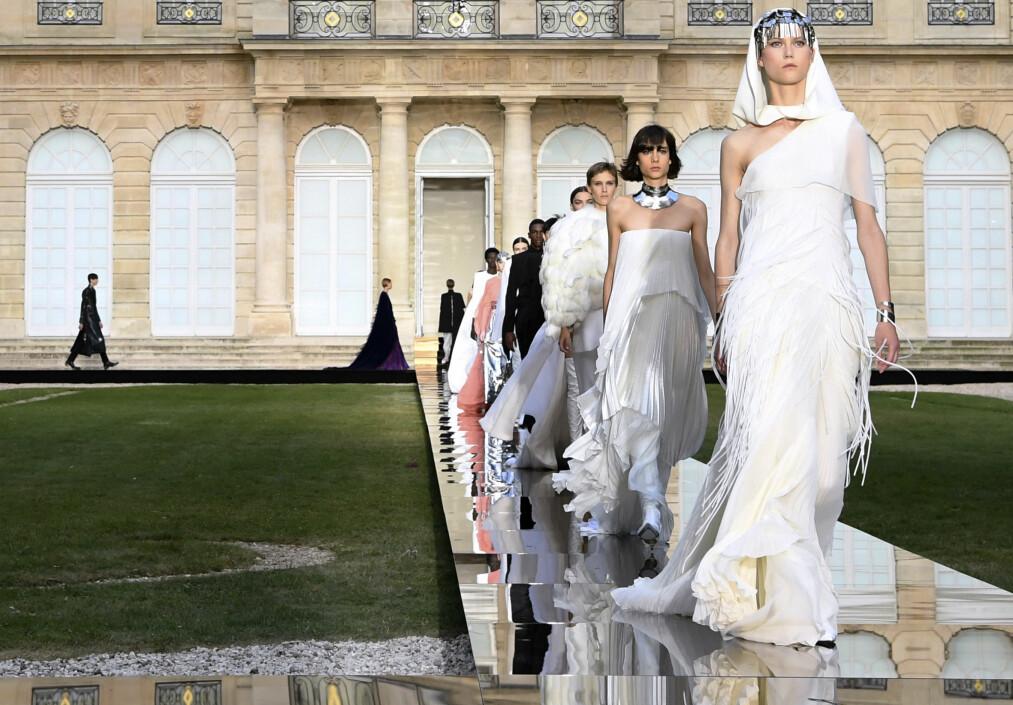 GIVENCHY: Couture-kolleksjonen til Clare Waight Keller vil gjøre seg godt på rød løper. Foto: Scanpix