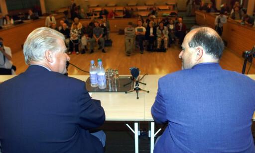 UENIGE: Hagen og Dørum har stanget horn i politiske debatter en lang rekke ganger. Her fra Grorud i 2001 under en debatt om arbeidsinnvandring. Foto: Lise Åserud / SCANPIX