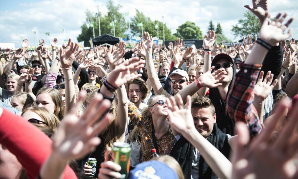 FULL FEST: Det kan gå hardt for seg på Roskildefestivalen, noe en ung nordmann måtte ta konsekvensene av natt til onsdag. Dette bildet har ingenting med hendelsen å gjøre. Foto: Sarah Christine Nørgaard / Scanpix