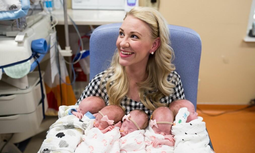 FEMLINGER: Jamie Scott ønsket å få barn nummer tre. Og hun fikk ønsket sitt oppfylt, og mer til, da hun ble gravid med femlinger. FOTO: Five.Two.Love