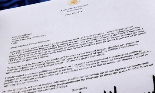 BREVET TIL ERNA: President Donald Trump har sendt brev til lederne for de NATO-landene som han mener bidrar altfor lite til NATOs felles forsvar. Dette er kopi av brevet til statsminister Erna Solberg. Foto: J. David Ake/AP