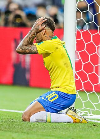 FORTVILER: Det er ingen trøst i å være verdens dyreste fotballspiller når du ryker ut av VM. Foto: NTB scanpix