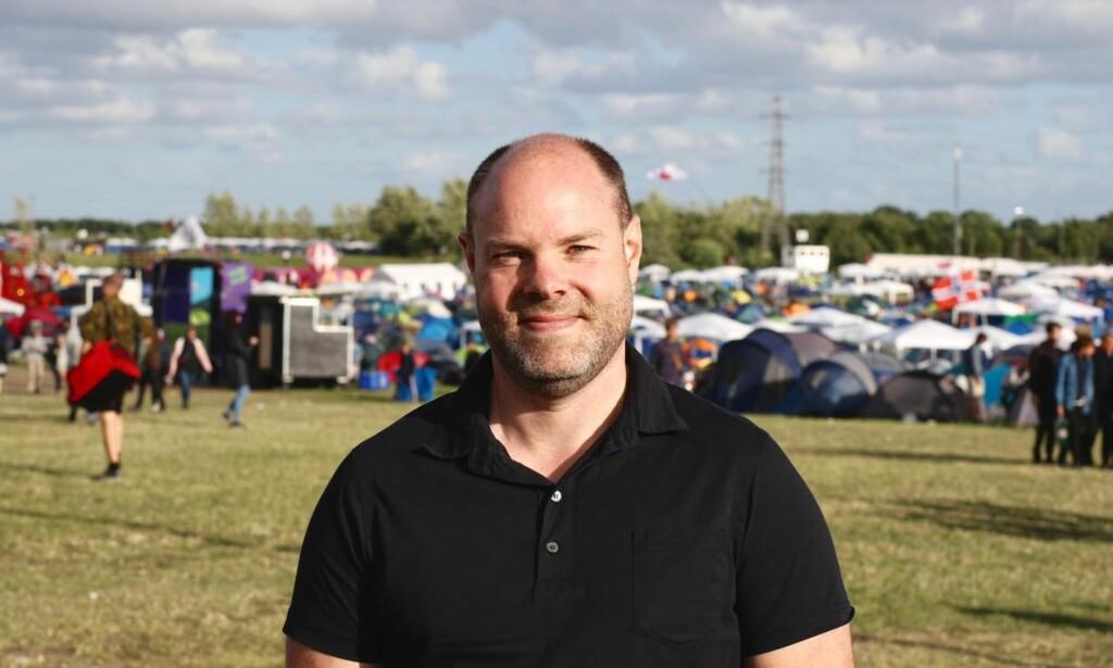 KAMPANJE: Sikkerhetssjef Morten Therkildsen forteller at Roskildefestivalen i flere år har kjørt en kampanje om at man ikke skal bruke narkotika. Kampanjen gjøres i samarbeid med det statlige organet Sundhedsstyrelsen. Foto: Luna Stage