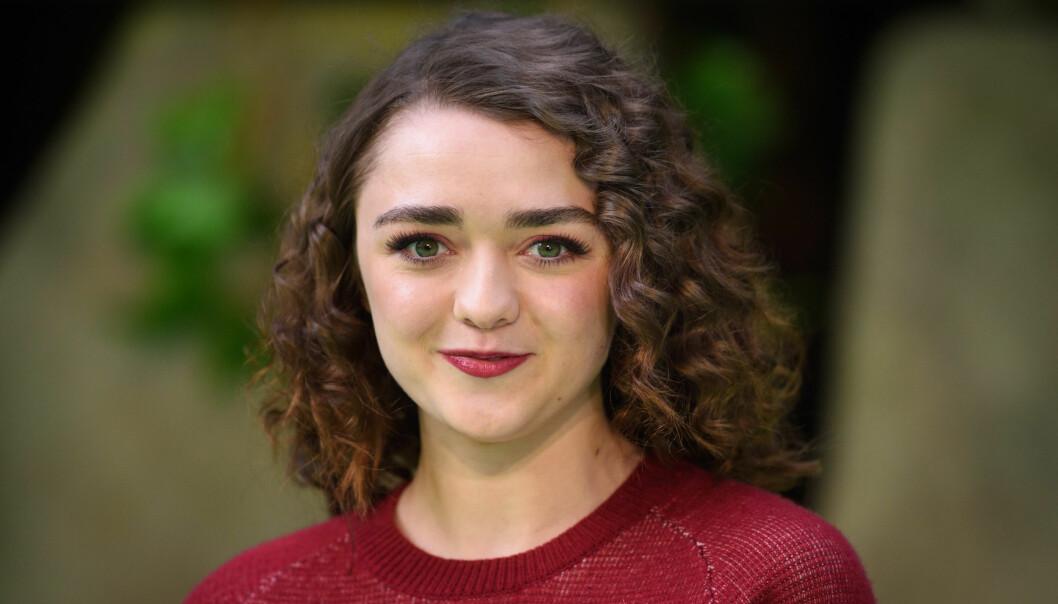 BLODIG FARVEL: Maisie Williams fikk sitt gjennombrudd som Arya Stark i «Game of Thrones». Nå er hun ferdig med siste innspilling, ni år etter at hun først landet rollen. Foto: Matt Crossick / EMPICS Entertainment / NTB scanpix