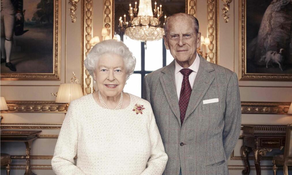 <strong>PRINS LOUIS' DÅP:</strong> Dronningen og prins Philip deltar ikke i dåpen til oldebarnet. Foto: Scanpix