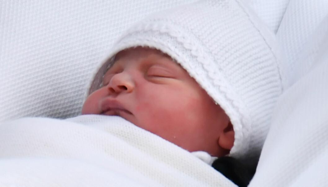 PRINS LOUIS: Kort tid etter at prinsen ble født delte Kensington Palace bilder av den lille prinsen. FOTO: NTB Scanpix