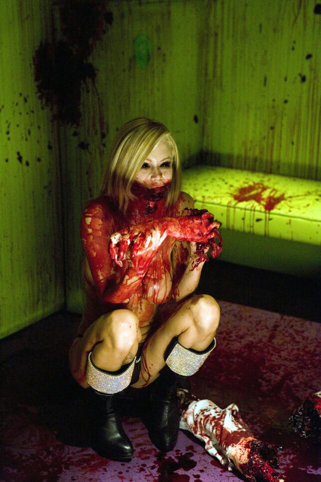 IKKE AKKURAT STUEREIN: Jenna Jameson forsøkte seg en kort periode i andre sjangere innenfor filmbransjen. Her i komi- og horrorfilmen «Zombie Strippers». Foto: NTB Scanpix