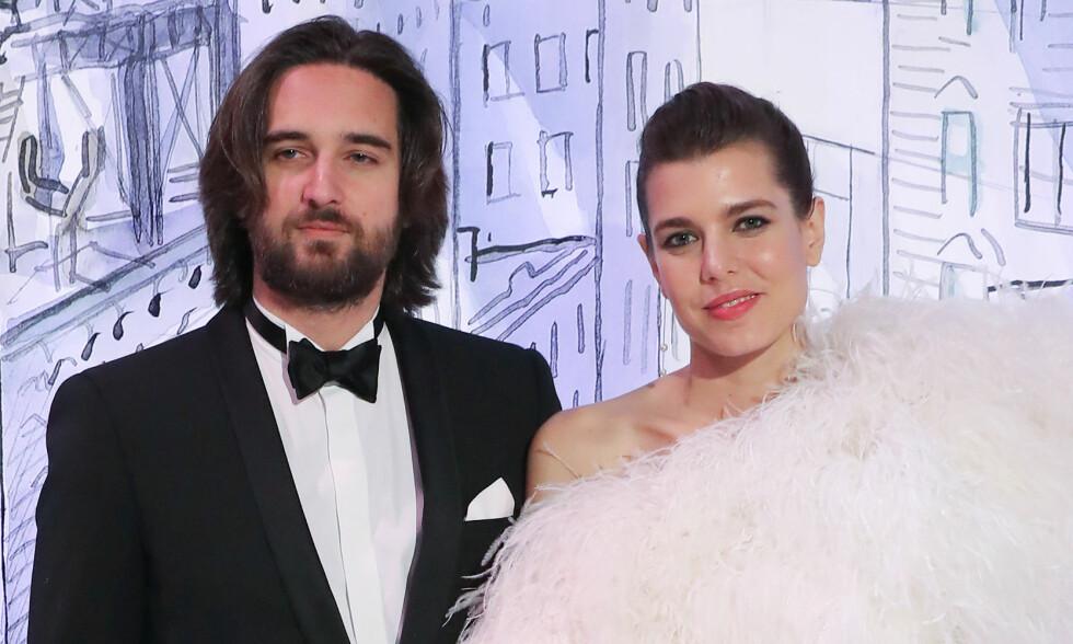 VENTER BARN: Charlotte og den franske filmprodusenten, Dimitri Rassam, blir foreldre på sensommeren. Foto: NTB Scanpix