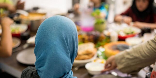 image: Det er viktig å ikke bagatellisere bruk av hijab på små jenter