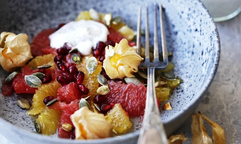 SUNN DESSERT: Denne sitrussalaten er sprengfull av gode C-vitaminer! FOTO: Betina Hastoft