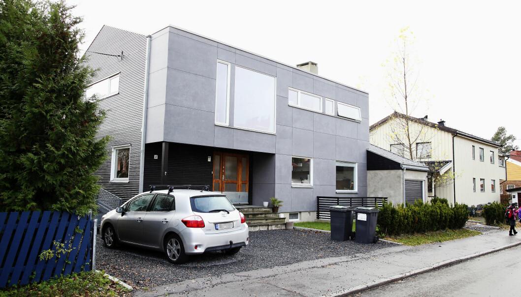 <strong>TJENTE GODT:</strong> I 2010 kjøpte Fridtjov Såheim og Henriette bolig på Nordberg i Oslo for åtte millioner kroner. Etter omfattende oppussing og utbygging ble huset solgt i 2016, for 18 millioner. Gevinsten på 10 millioner delte de likt. Foto. Morten Eik / Se og Hør