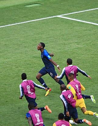 JUBEL: Paul Pogba sendte Frankrike opp i 3-1. Foto: NTB scanpix