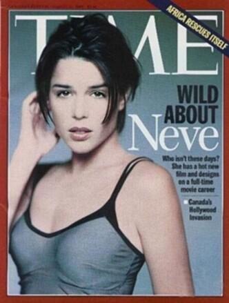 <strong>STJERNESKUDD:</strong> Neve Campbell hadde blant æren av å pryde forsiden av Time. Foto: Faksimile fra Time