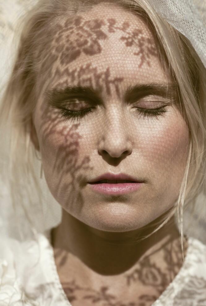 – Jeg skammet meg veldig over spiseforstyrrelsene, og mange av mine nærmeste har ikke visst om dette før nylig, sier Eva. FOTO: Astrid Waller