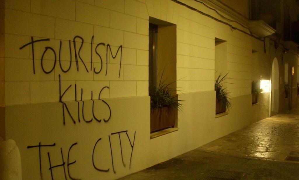 «DREPER BYEN»: Lokale hoteller ble vandalisert. FOTO: Tot Inclos